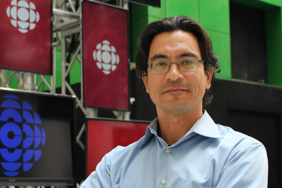 Duncan McCue, CBC journalist and the Ryerson School of Journalism's Rogers Visiting Journalist, at CBC's Toronto studio. Photo courtesy Jasmine Bala.